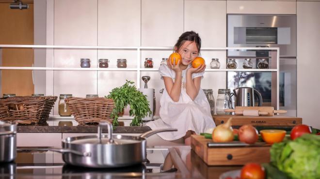 không gian bếp nhà Đoan Trang 3