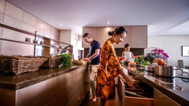 không gian bếp nhà Đoan Trang 4