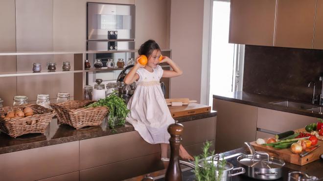 không gian bếp nhà Đoan Trang 5