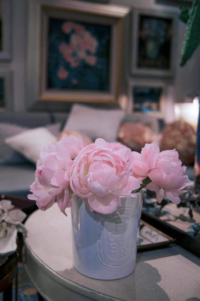 Lý Quí Khánh và hoa 9
