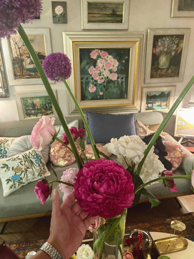 Lý Quí Khánh và hoa 11
