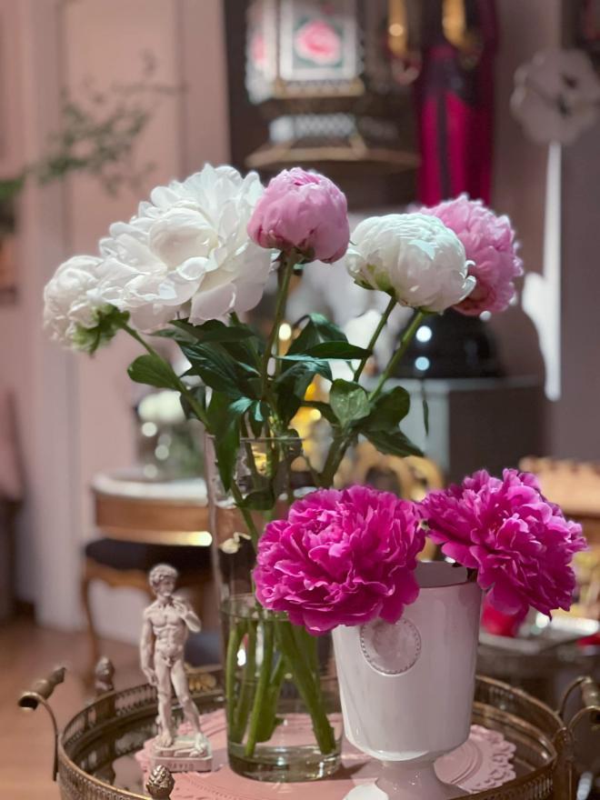 Lý Quí Khánh và hoa 4