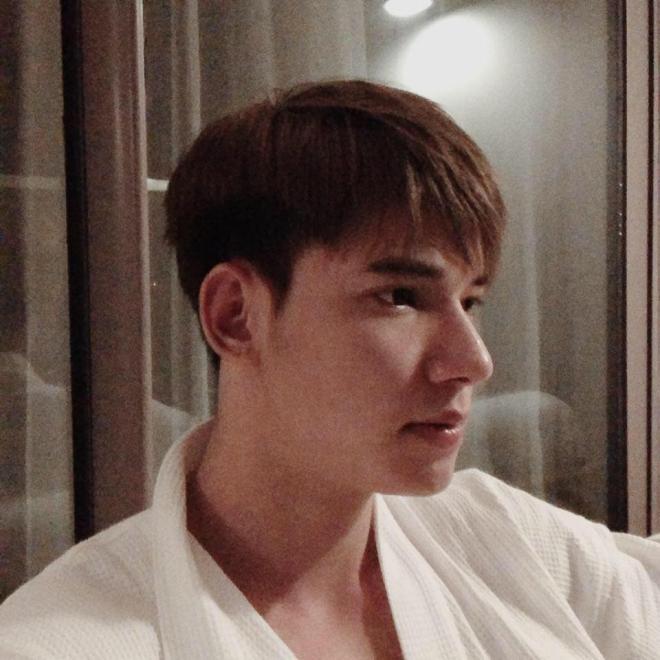 Em trai Thu Quỳnh tại Hương vị tình thân  6