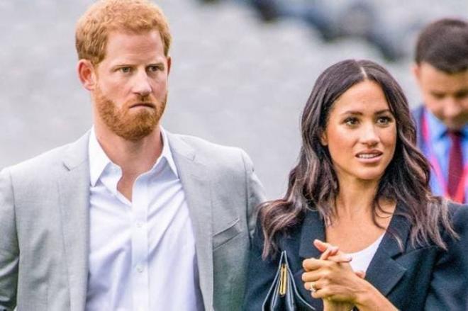 Meghan gây tranh cãi khi một lần nữa trốn tránh việc cùng Harry về Anh để tham dự buổi lễ tưởng nhớ mẹ chồng quá cố Diana 1