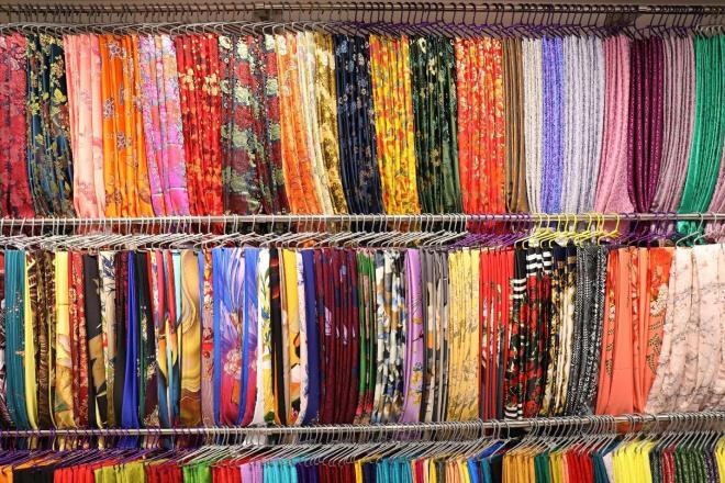 Vải áo dài Cẩm Tú, Thời trang