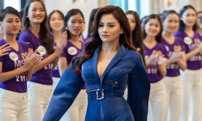 """Vũ Thu Phương tiết lộ số cân nặng """"khủng"""" phải giảm để quay hình Hoa hậu Hoàn vũ 2019"""
