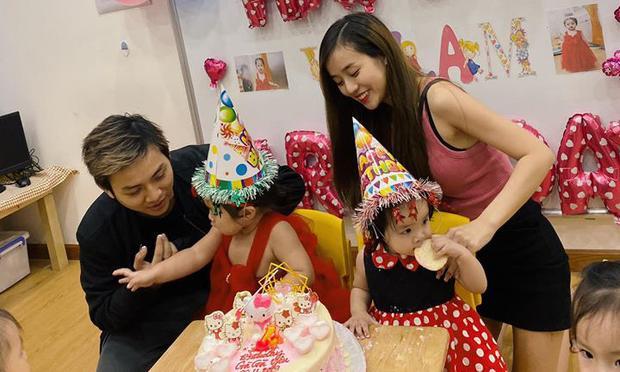 Lần đầu gia đình bốn thành viên của Hoài lâm đứng chung khung hình trong sinh nhật con gái tròn 2 tuổi